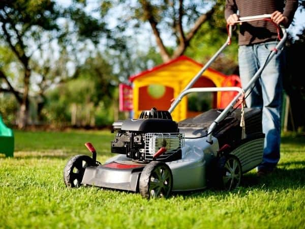 how to make money as a teenager mow lawns